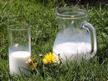 如何看儿童羊奶粉是脱脂还是全脂